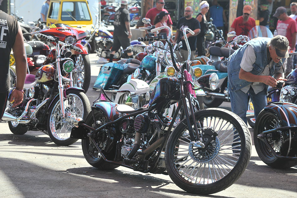 Rat S Hole Bike Show Custom Motorcycles Compete At Buffalo Chip Crossroads